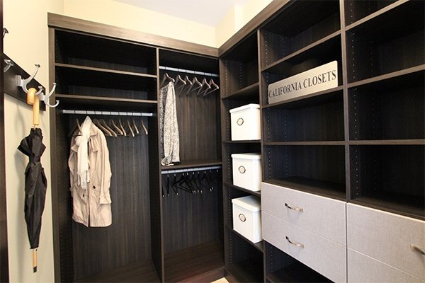 hall-closet-in-cappucino-with-linen-accent-drawers1