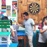 Frans als Kuifje bij Timmerproject in Guatemala